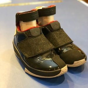 Jordan Shoes - ❗️ SOLD❗️Size 9 stealth retro 20